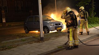 Het is wéér mis in Deventer: autobranden op exact dezelfde plek als zondag