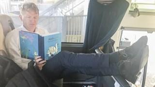 Groenendijk met zijn sprookjesboek