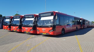De bussen in Enschede staan stil