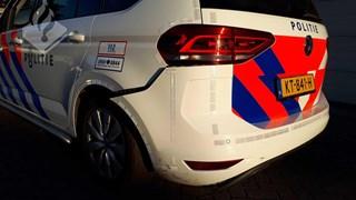 Politiewagen beschadigd na nachtelijke achtervolging