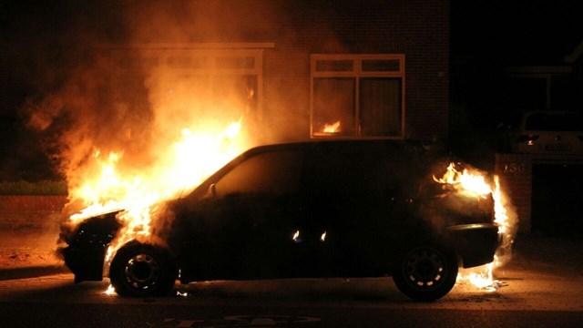 Autobrand in Rijssen afgelopen maandag - fotograaf: Jan Pas / News United