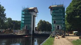 De sluis in Delden blijft nog langer dicht