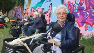 Mevr. Voortman uit Deventer is blij met de oefendag voor scootmobiel bestuurders