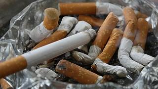 Sigaretten volle asbak