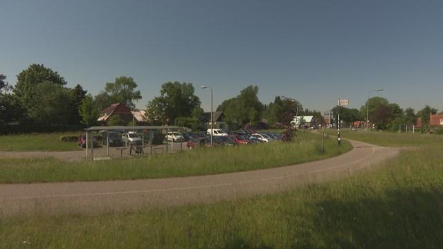 De carpoolplaats in Steenwijk - fotograaf: RTV Oost / Onder de Loep
