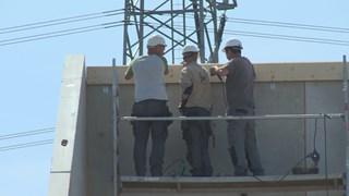Bouwbedrijven staan onder druk omdat in korte tijd veel woningen moeten worden geleverd