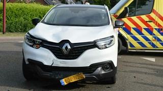 Botsing tussen scooterrijder en auto in Vriezenveen