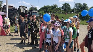 Minister Ank Bijleveld van Defensie bezoekt de Landmachtdag in Deventer
