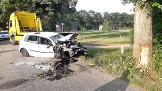 De auto is door het ongeluk total loss