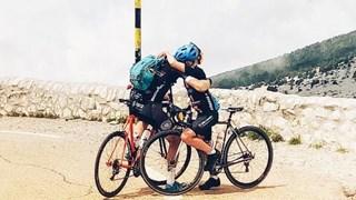 Maarten & Jesse Nijland op de top van de Mont Ventoux
