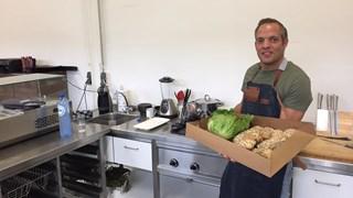 Frank Ensink jaagt zijn droom na en begint in Hengelo een broodjeszaak