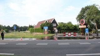 De Koeveenweg blijft de hele ochtend afgesloten