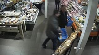 Zakkenrollers bij Albert Heijn in Diepenveen