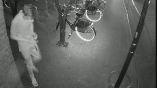 Jongen steelt beveiligingscamera in Oldenzaal