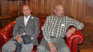 rechts op de foto Abe Paliama