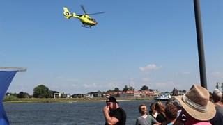 Brandweer zoekt naar persoon in IJssel bij Kampen