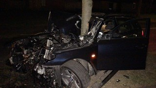 Automobiliste crasht tegen boom Oldenzaal