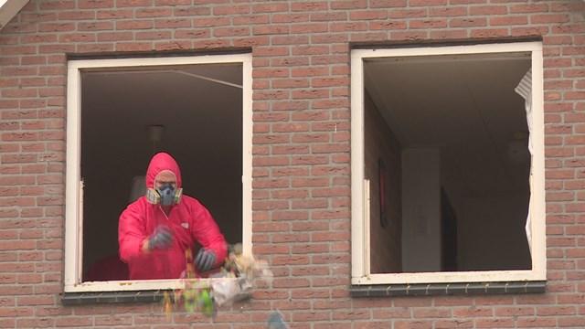 ondanks beschermende kleding zijn alle helpers ziek geworden - fotograaf: RTV Oost, Oscar Siep