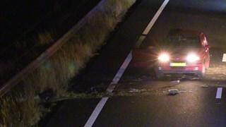 Automobilist knalt bij Enschede op een vangrail