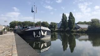 Boten vast in Deventer haven