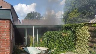 Bij de schuurbrand in Dalfsen is mogelijk asbest vrijgekomen