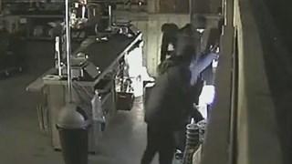 De inbrekers bij een aardbeienkwekerij in IJsselmuiden
