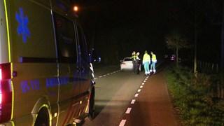 Busje botst met hoge snelheid op personenauto in Enschede