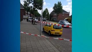 Verwarde man zwaait met mes in Enschede