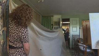 Sonna Krom met een doek van 6 x 3 meter