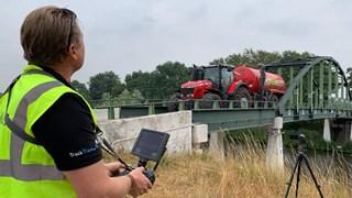 De test vond plaats bij de Tankinkbrug in Ambt Delden