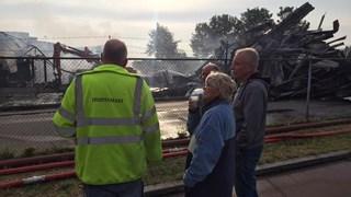 Personeel wordt bijgepraat door de brandweer