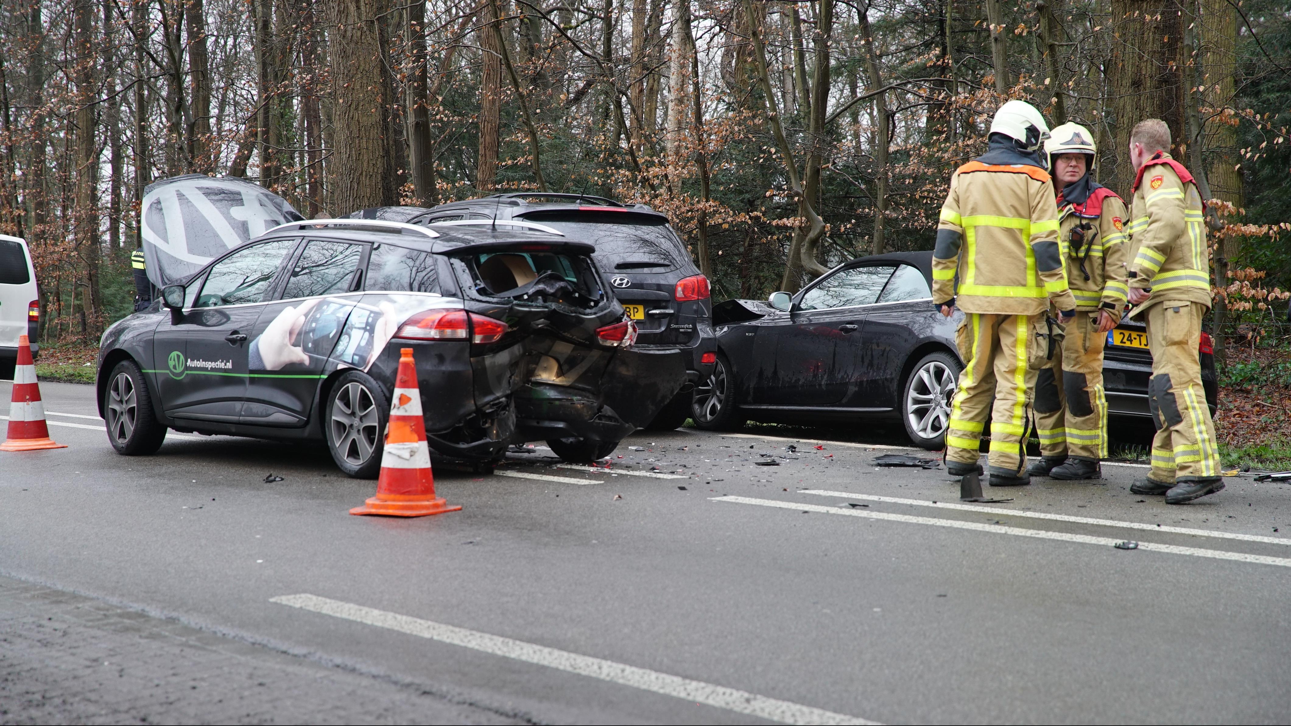 N348 tussen Deventer en Zutphen afgesloten na ernstig ongeval.