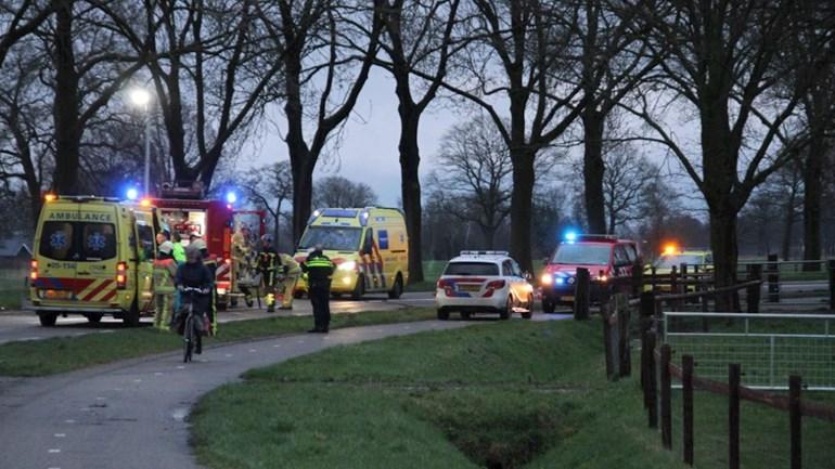 Twintigjarige vrouw uit Enter overleden na eenzijdig ongeluk.