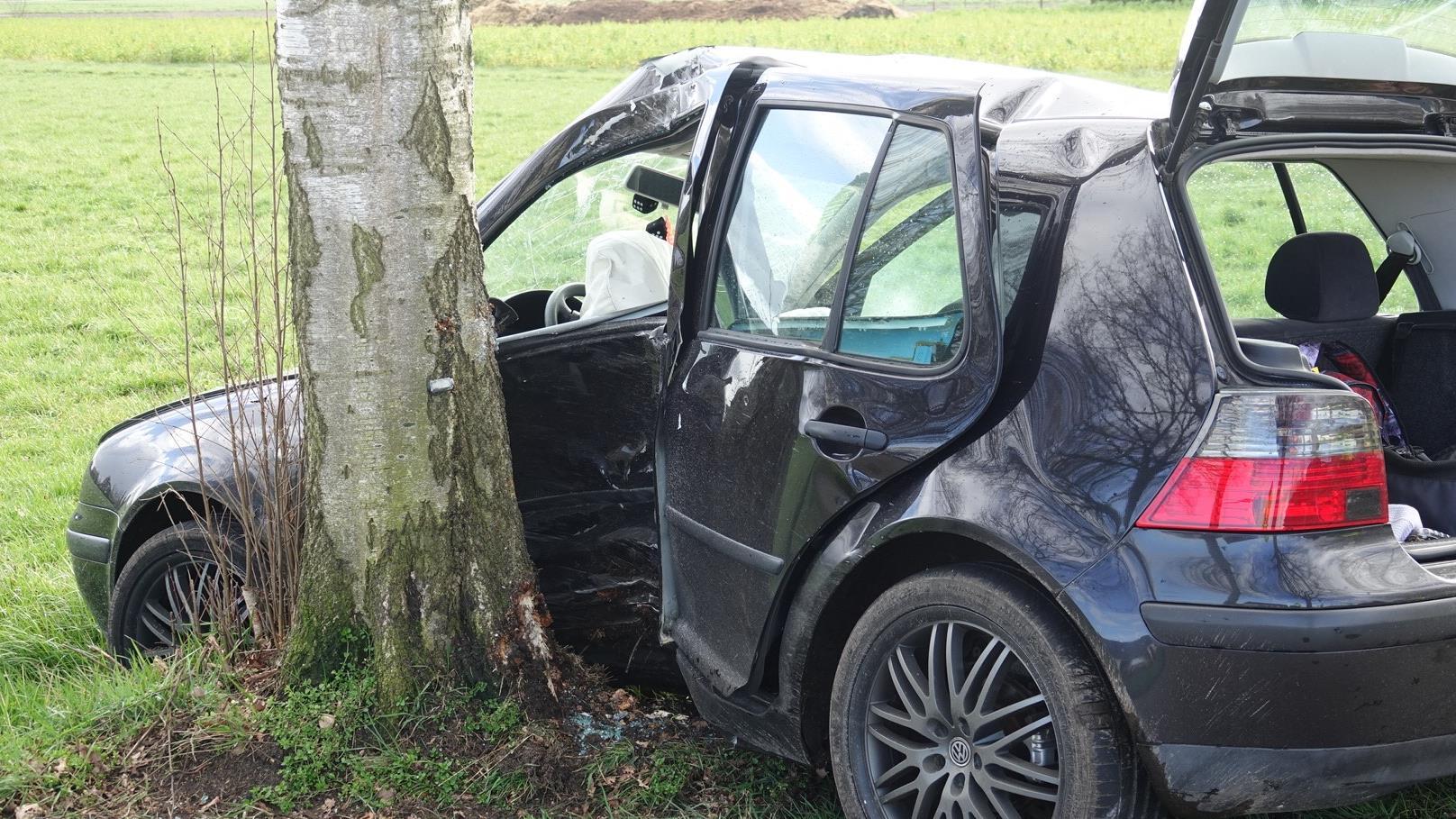 Gewonde bij eenzijdig ongeluk in Rheezerveen.