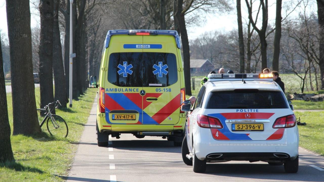 Voetganger gewond na aanrijding met wielrenner in Rijssen.