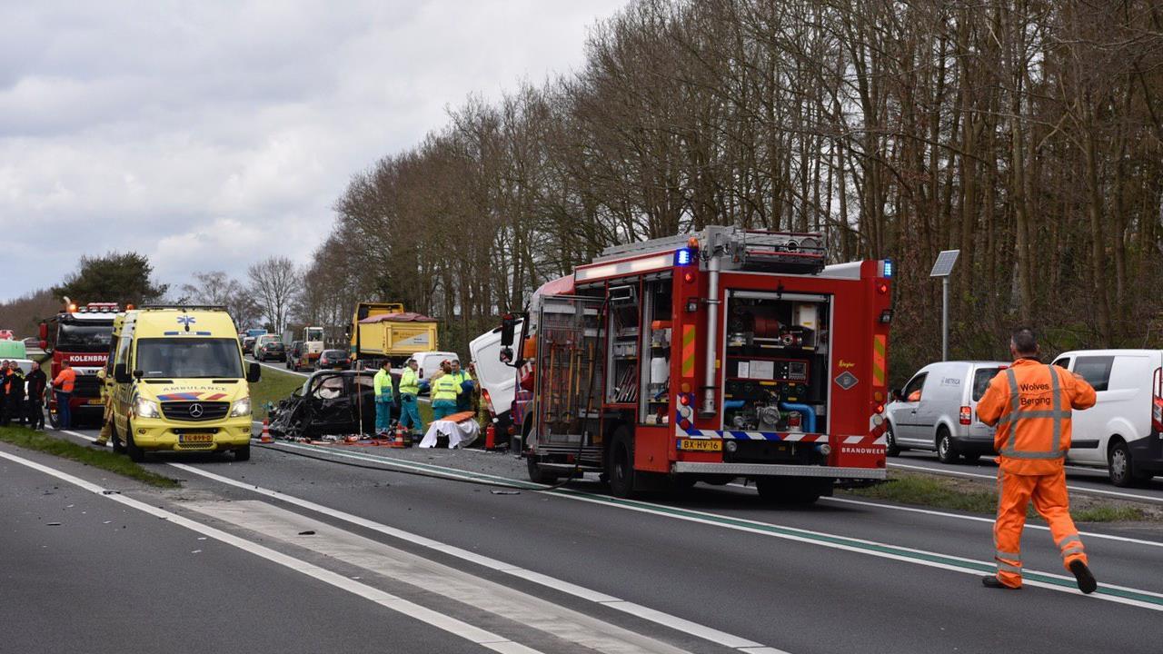 N36 in beide richtingen afgesloten na ernstig ongeval bij Westerhaar.