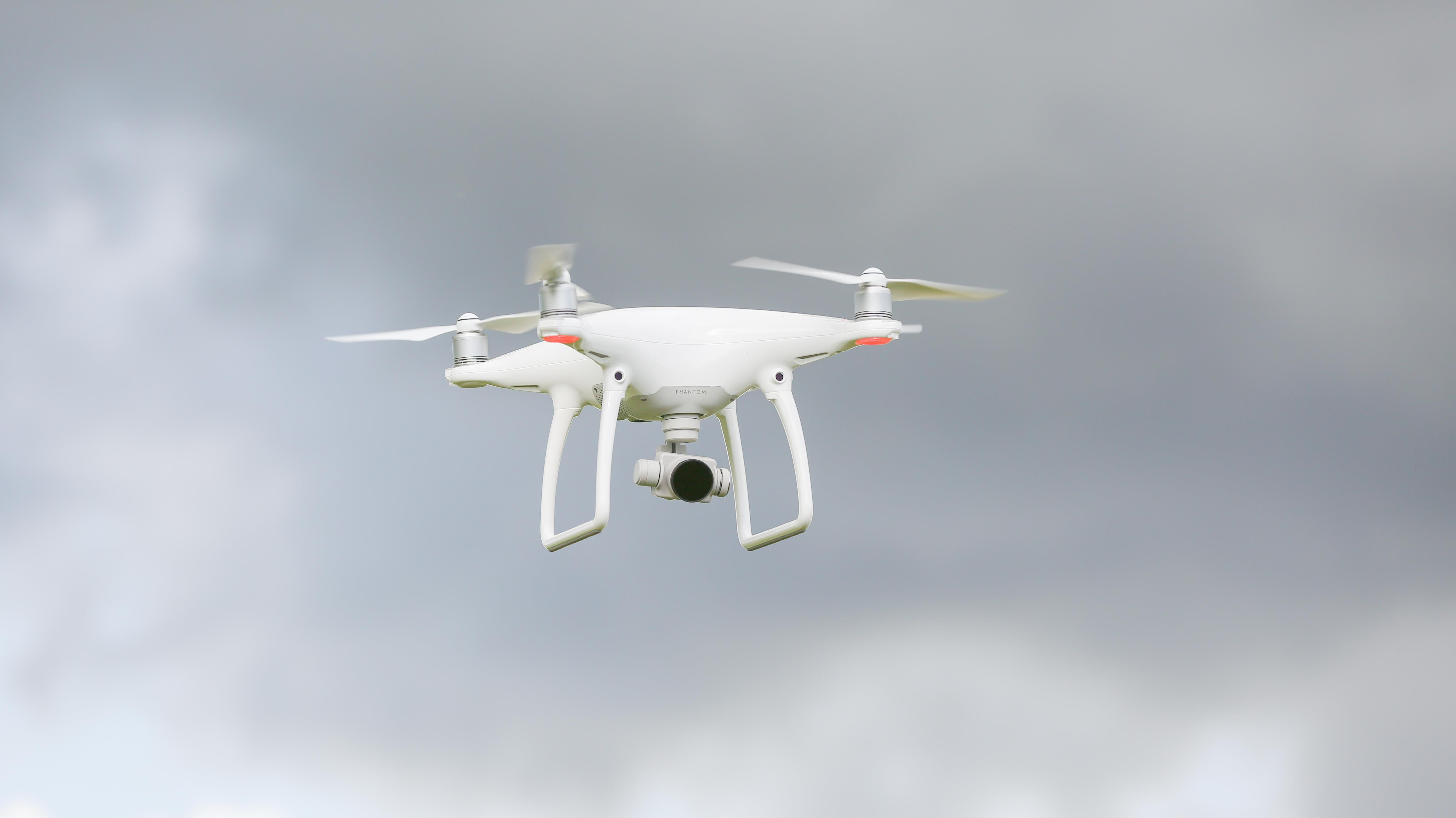Zeg dag tegen corona! RTV Oost vliegt morgen met drone over Bathmen