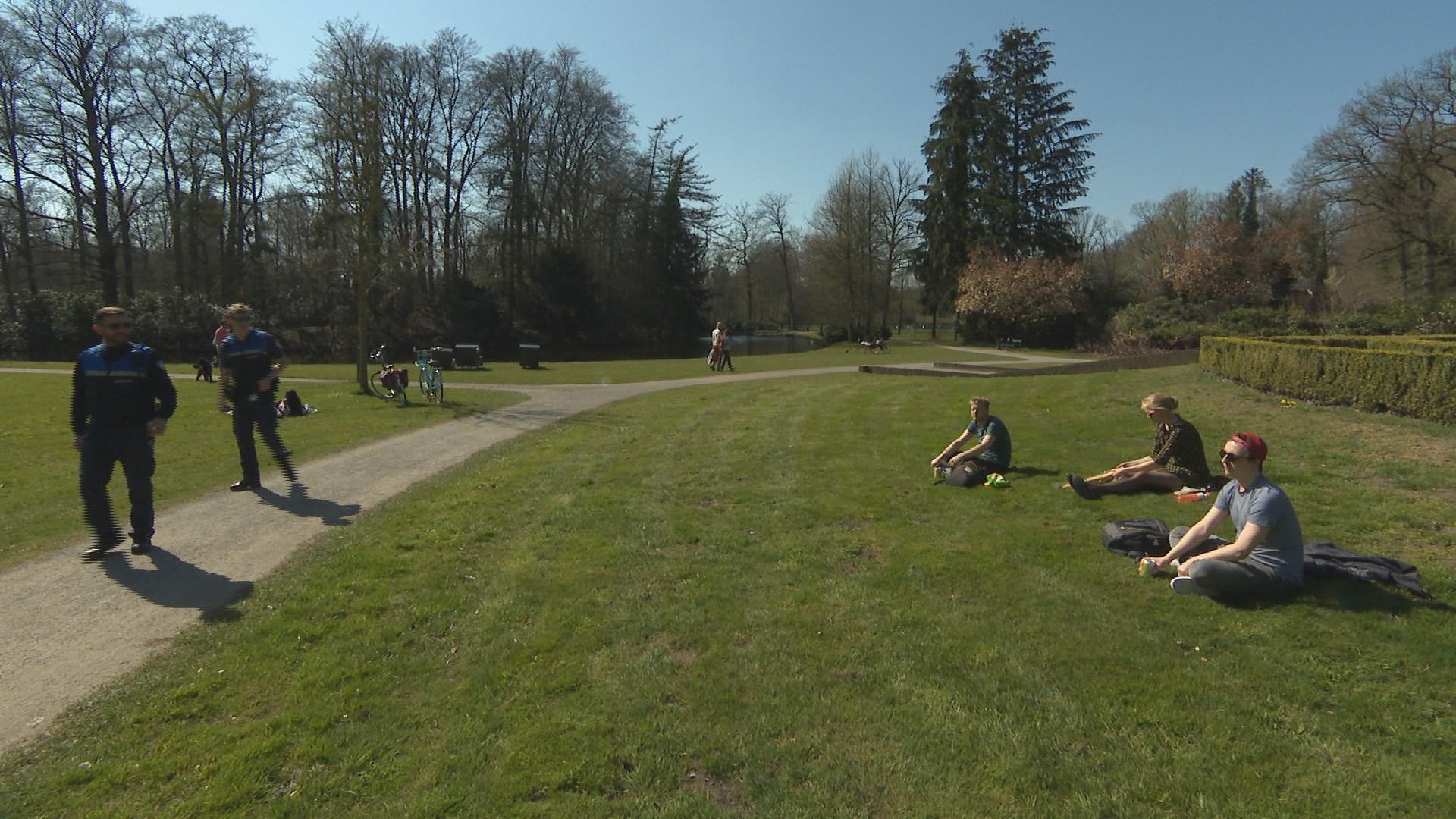 Boetes voor jongeren die samen komen in keet in Staphorst en auto in Zwolle