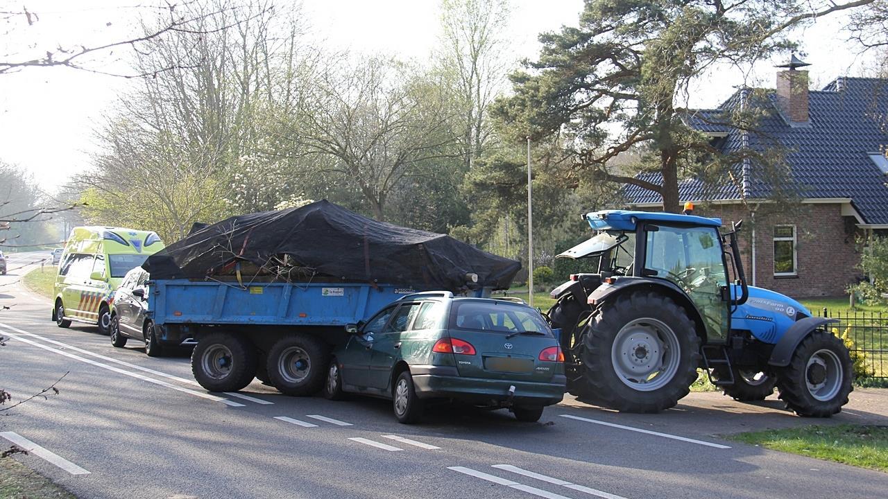 Vrouw naar ziekenhuis gebracht na ongeval in Paasloo.