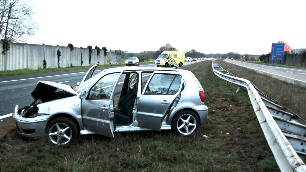 Twee rijstroken van A1 afgesloten bij Enter na eenzijdig ongeluk.