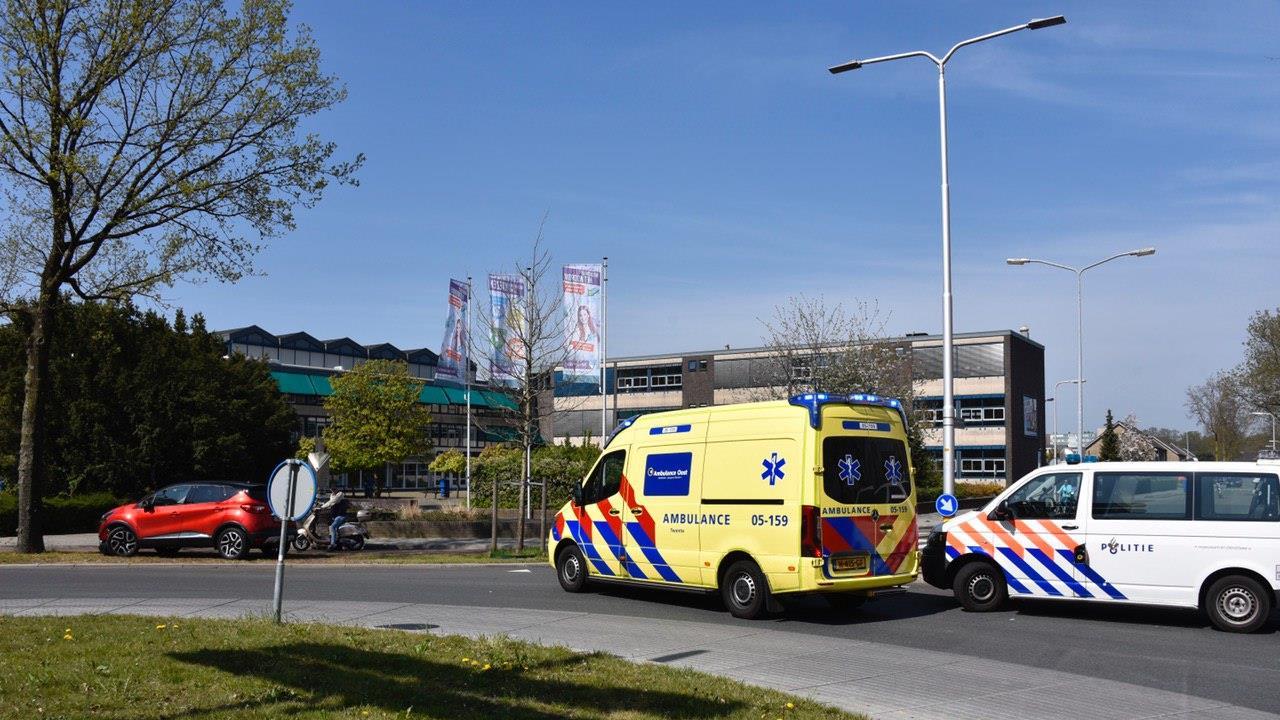 Bejaarde man gewond bij aanrijding in Almelo.