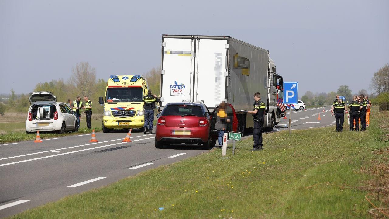 Overleden automobilist bij frontale aanrijding bij Wijhe is Zwollenaar.