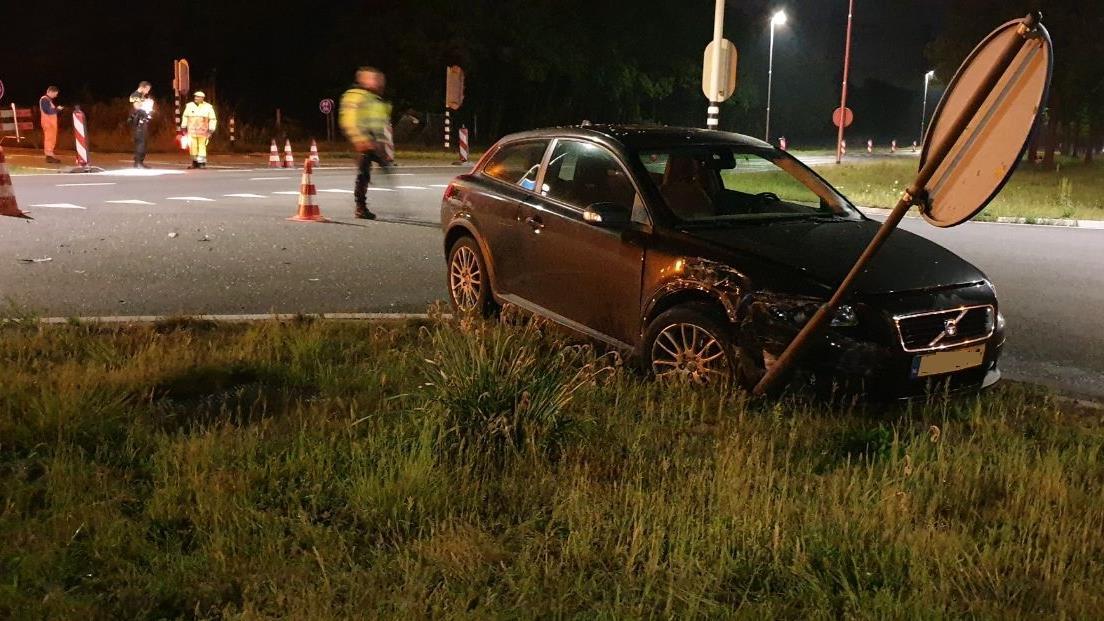 Toerit A35 bij Hengelo dicht na ongeval.