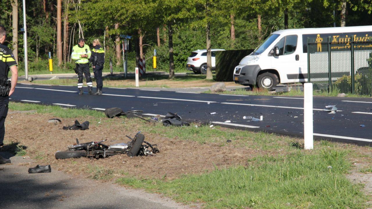 Brommerrijder zwaargewond na ongeval in Bornerbroek.