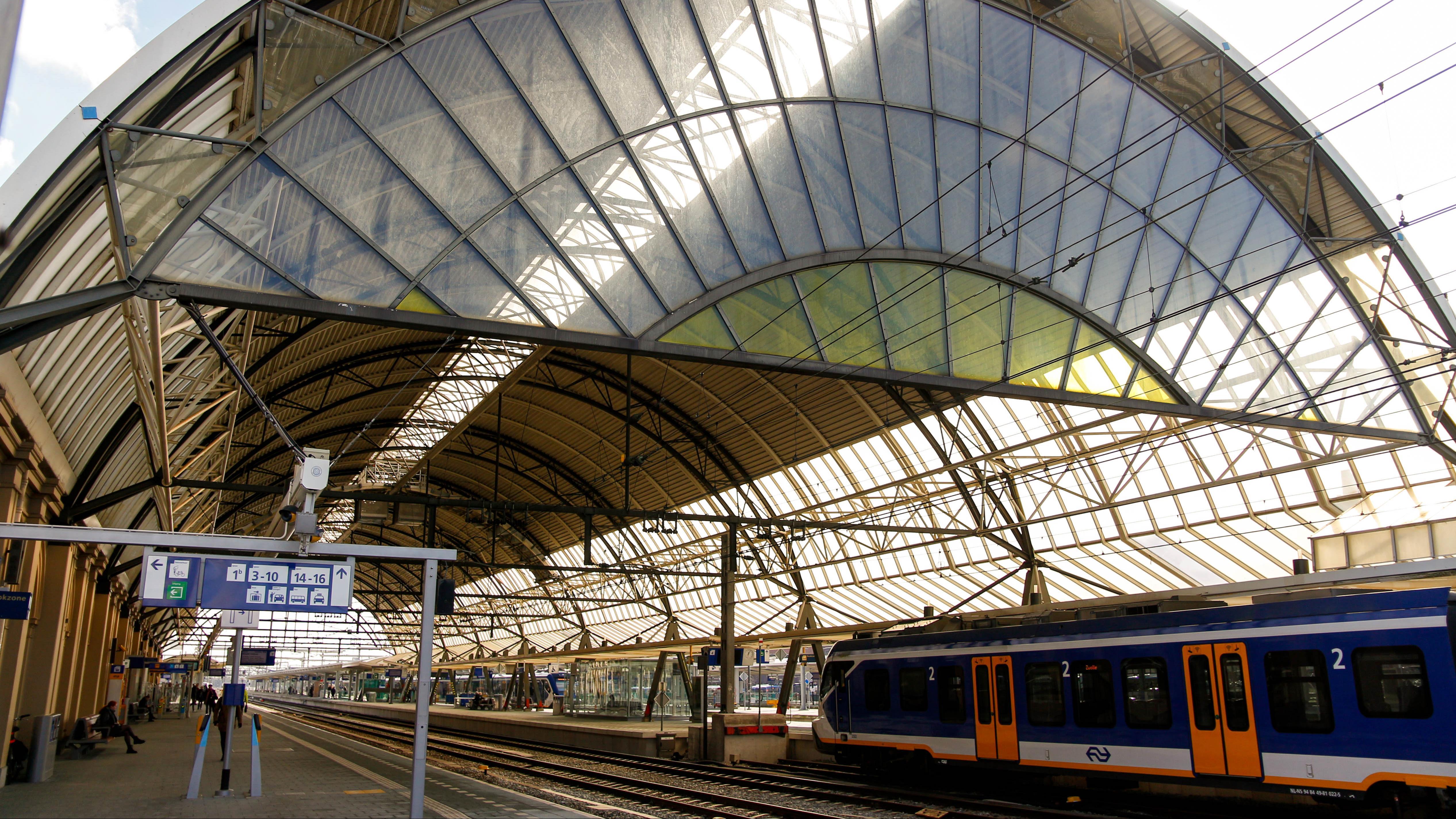 Treinverkeer tussen Zwolle en Deventer weer hervat na aanrijding.