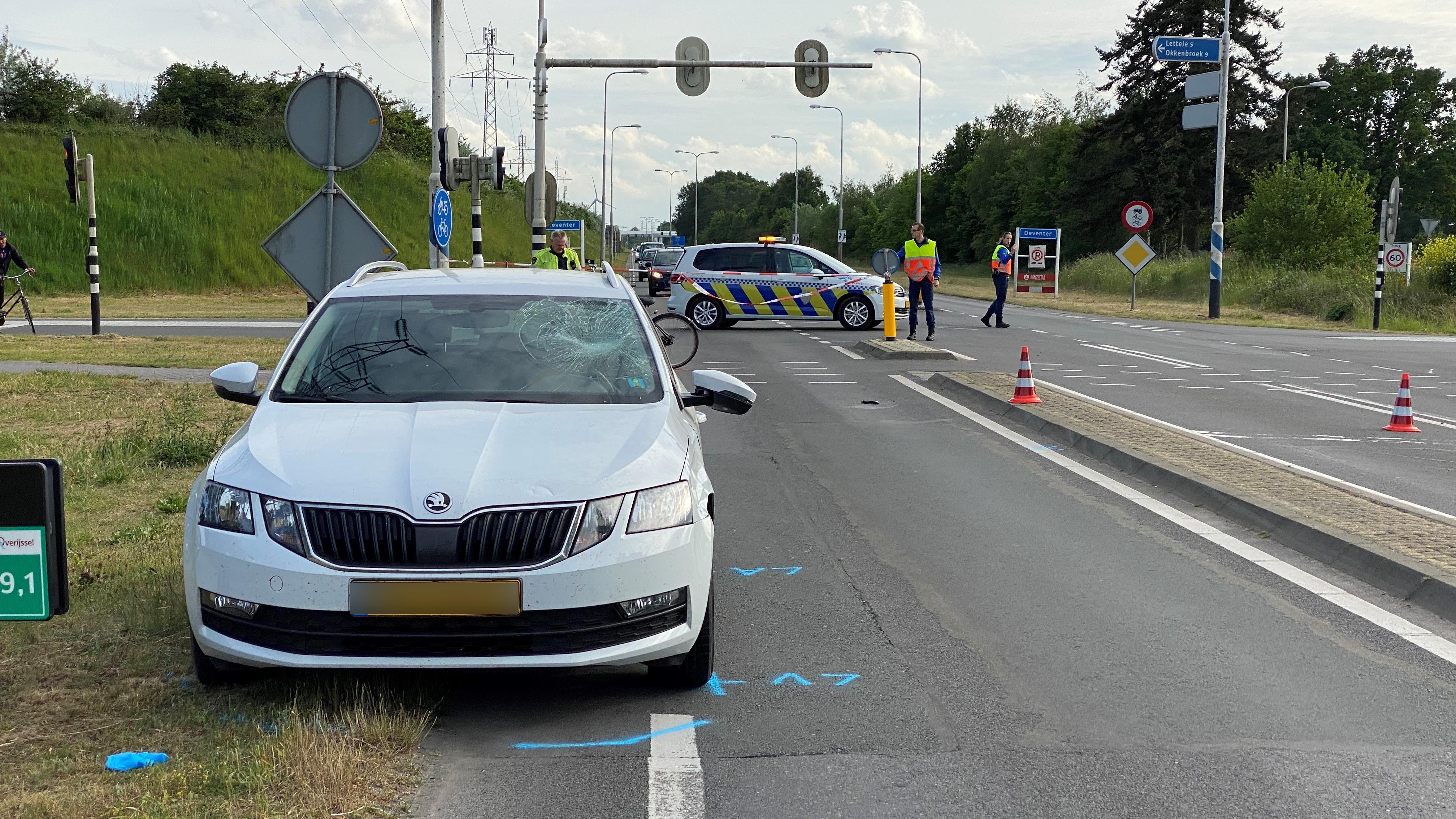 Fietsster gewond op N348 bij aanrijding met automobilist.