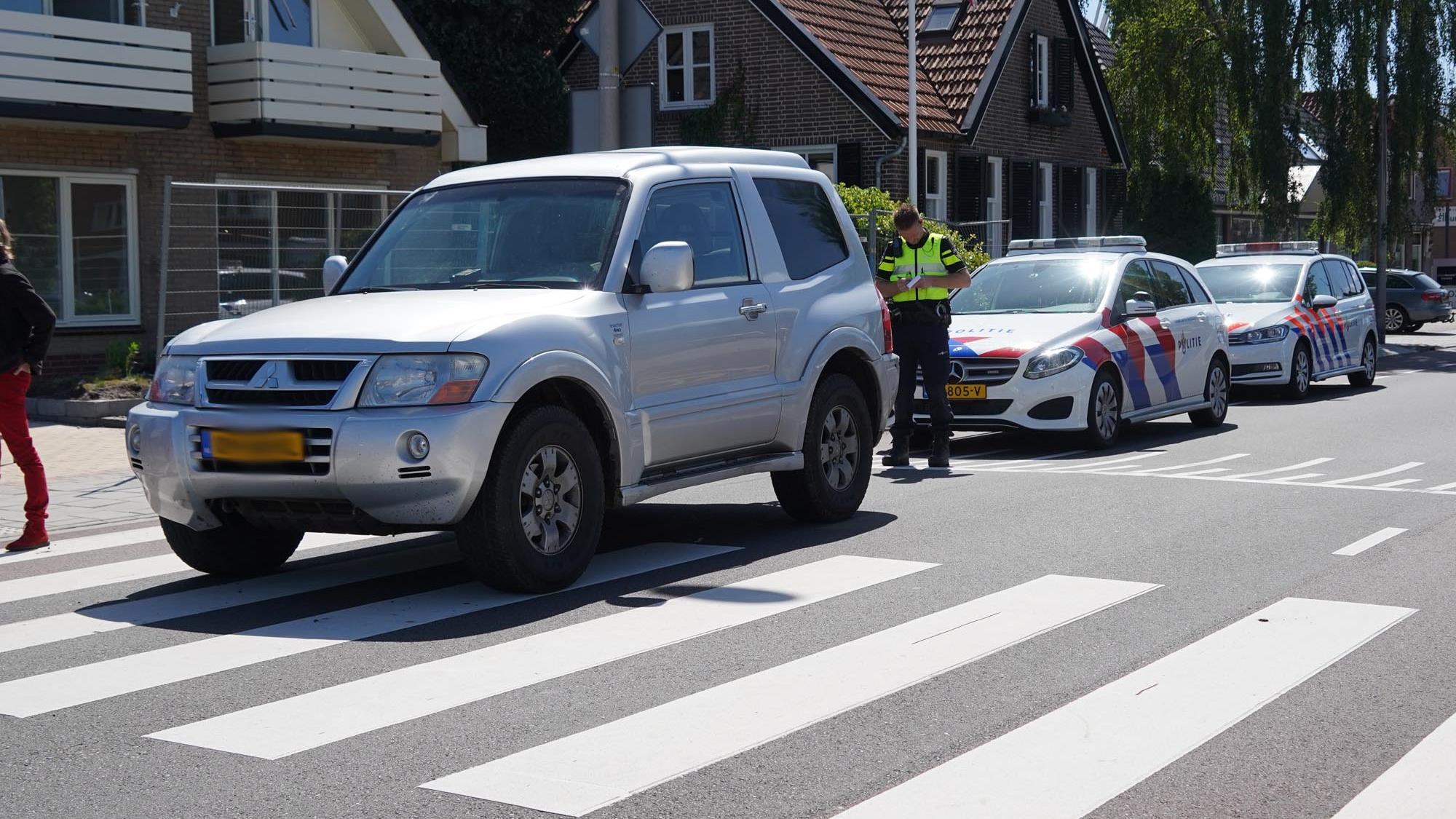 Vrouw naar ziekenhuis gebracht na aanrijding in Ommen.