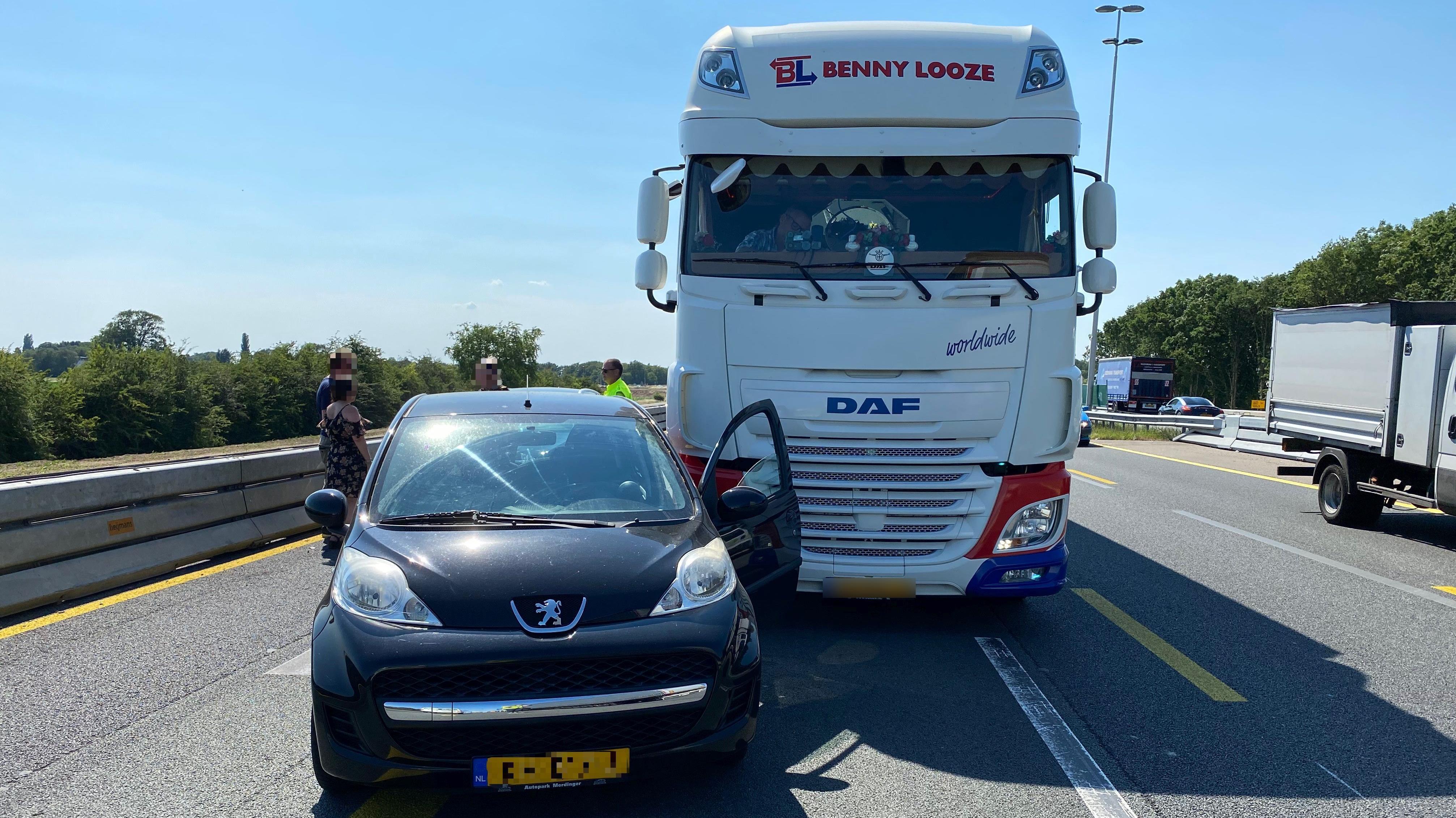 Vertraging op A1 bij Deventer door ongeluk.