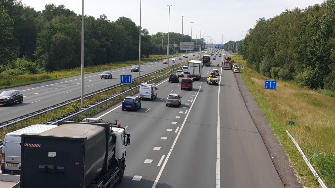 Naast acties ook ongelukken op de snelweg, file bij Borne.
