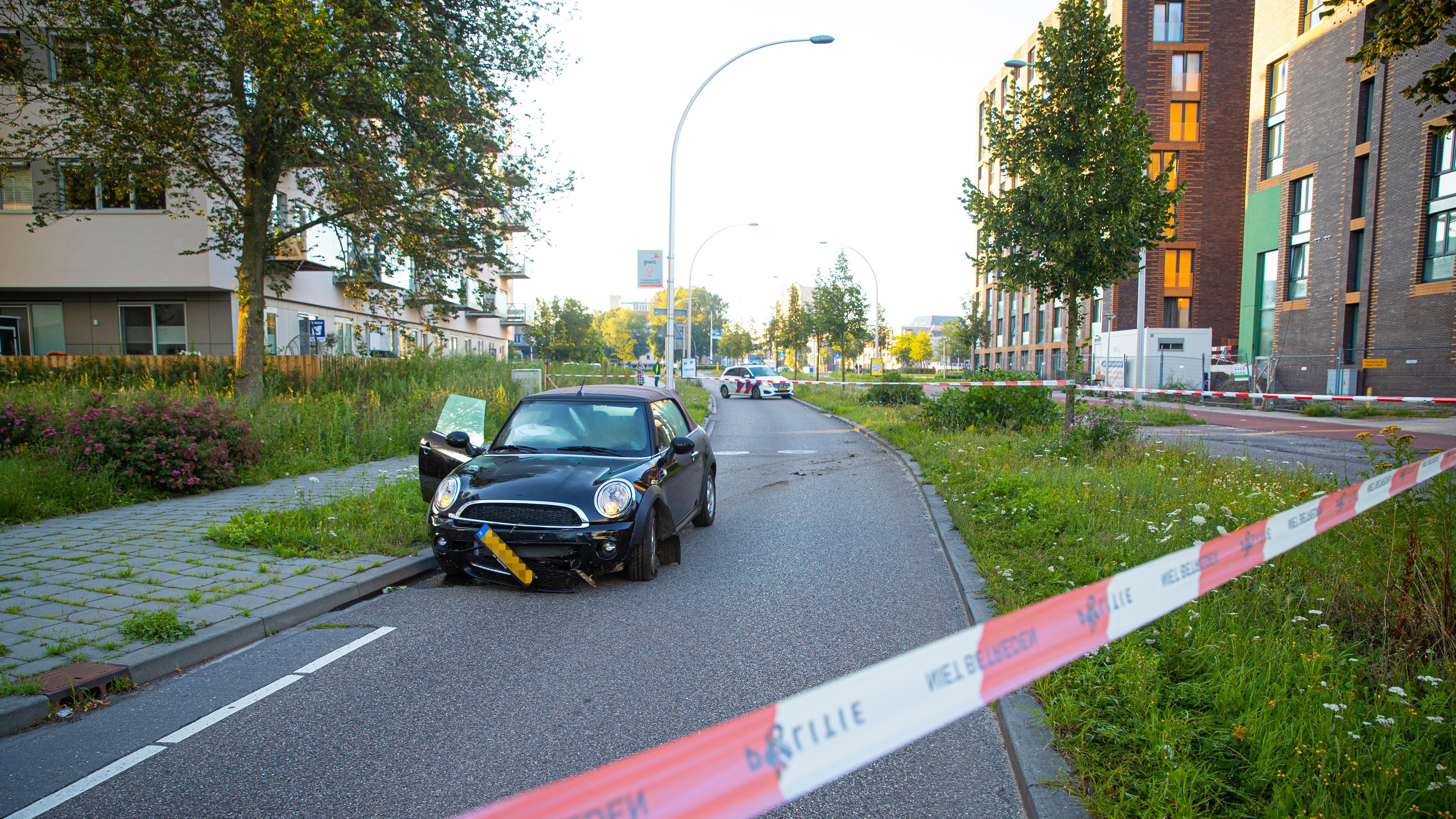 Automobilist slaat op de vlucht na eenzijdig ongeluk in Zwolle.